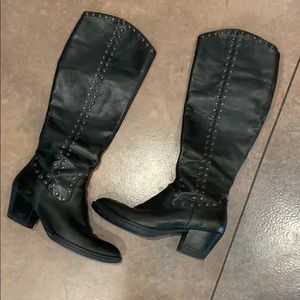 Born Leather Boots Size 8.5
